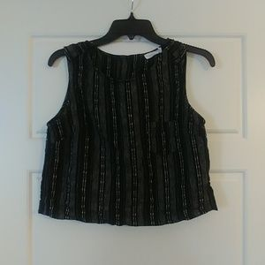 Medium Lush crop Top with button back